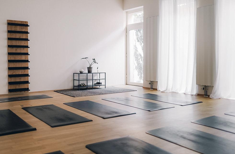 KLY-Yoga-3892.jpg