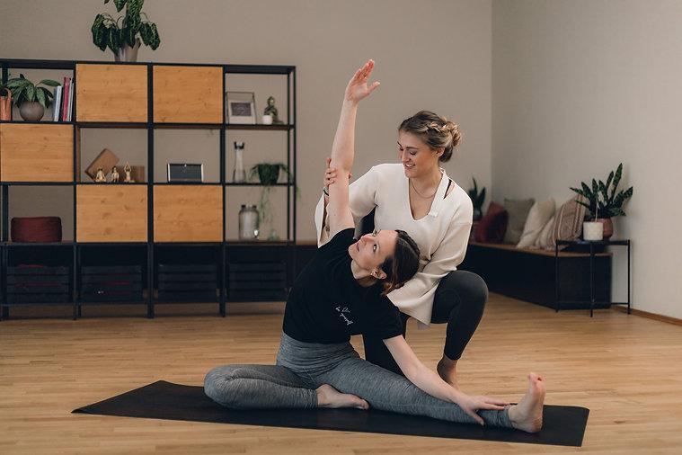 KLY-Yoga-2048.jpg
