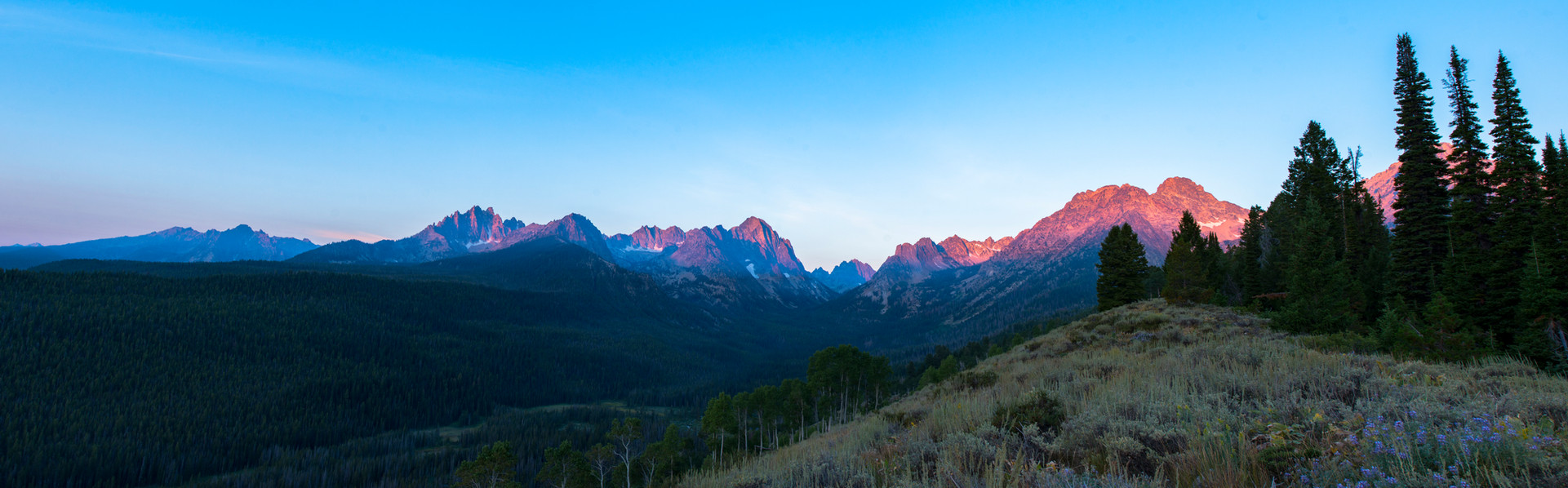 Sunrise in the Sawtooths