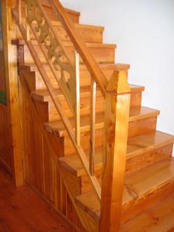 Escalier après application du vernis