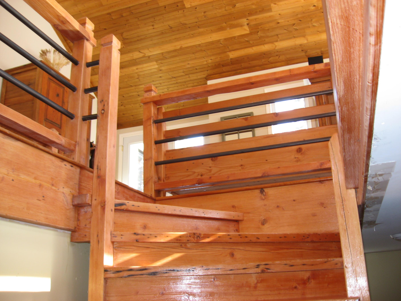 Escalier de bois & fer forgé