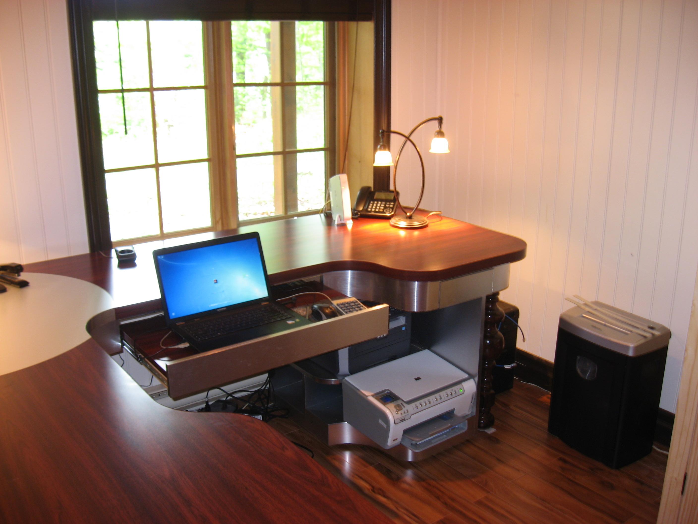 Bureau au allure ergonomique