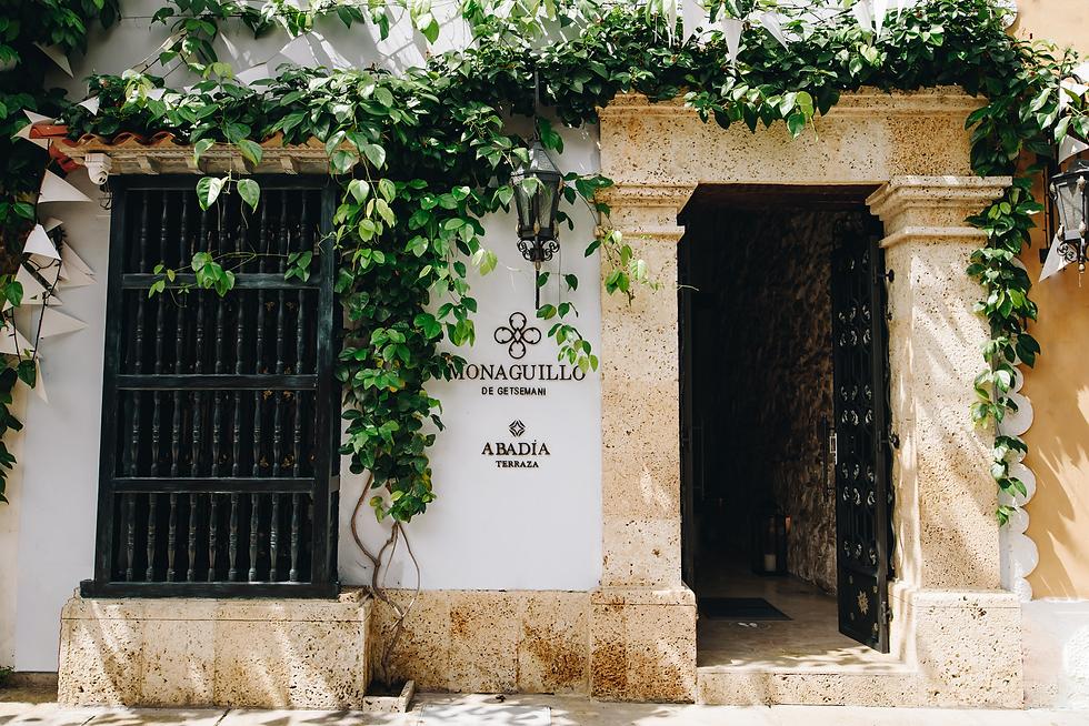 Hotel Monaguillo de Getsemaní I Bohemia y Artistica Experiencia.
