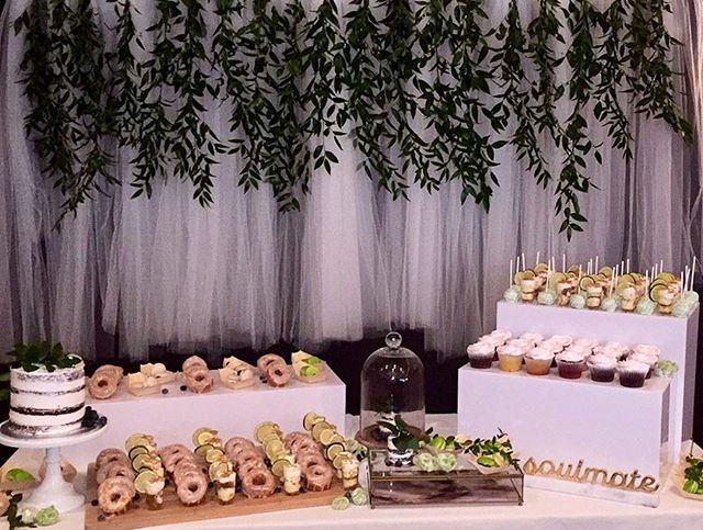 Keeping it simple 🌿 … #decor #mtlavecamour #mtlevents #desserts #sweettable