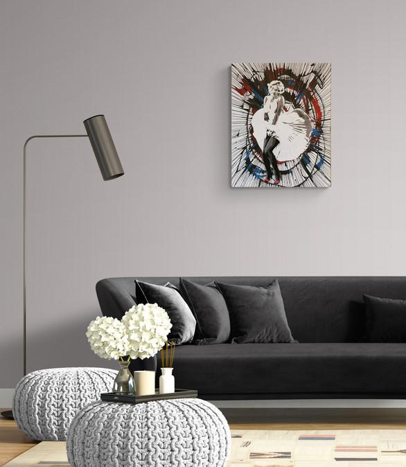Modern_chic_living_room_interior_with_long_sofa.jpg
