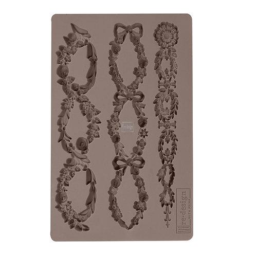 Floral Chain ~ Prima Mold