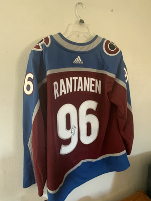 Signed Avalanche Jersey.HEIC