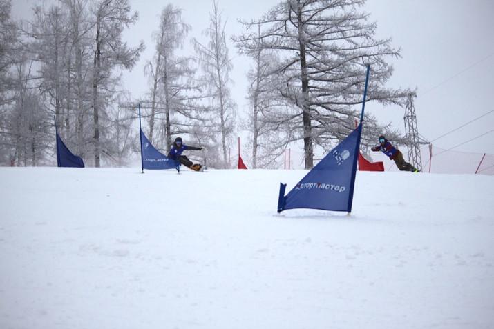 В конце ноября на базе ГЛЦ «Абзаково» пройдут соревнования по сноуборду в параллельных дисциплинах.