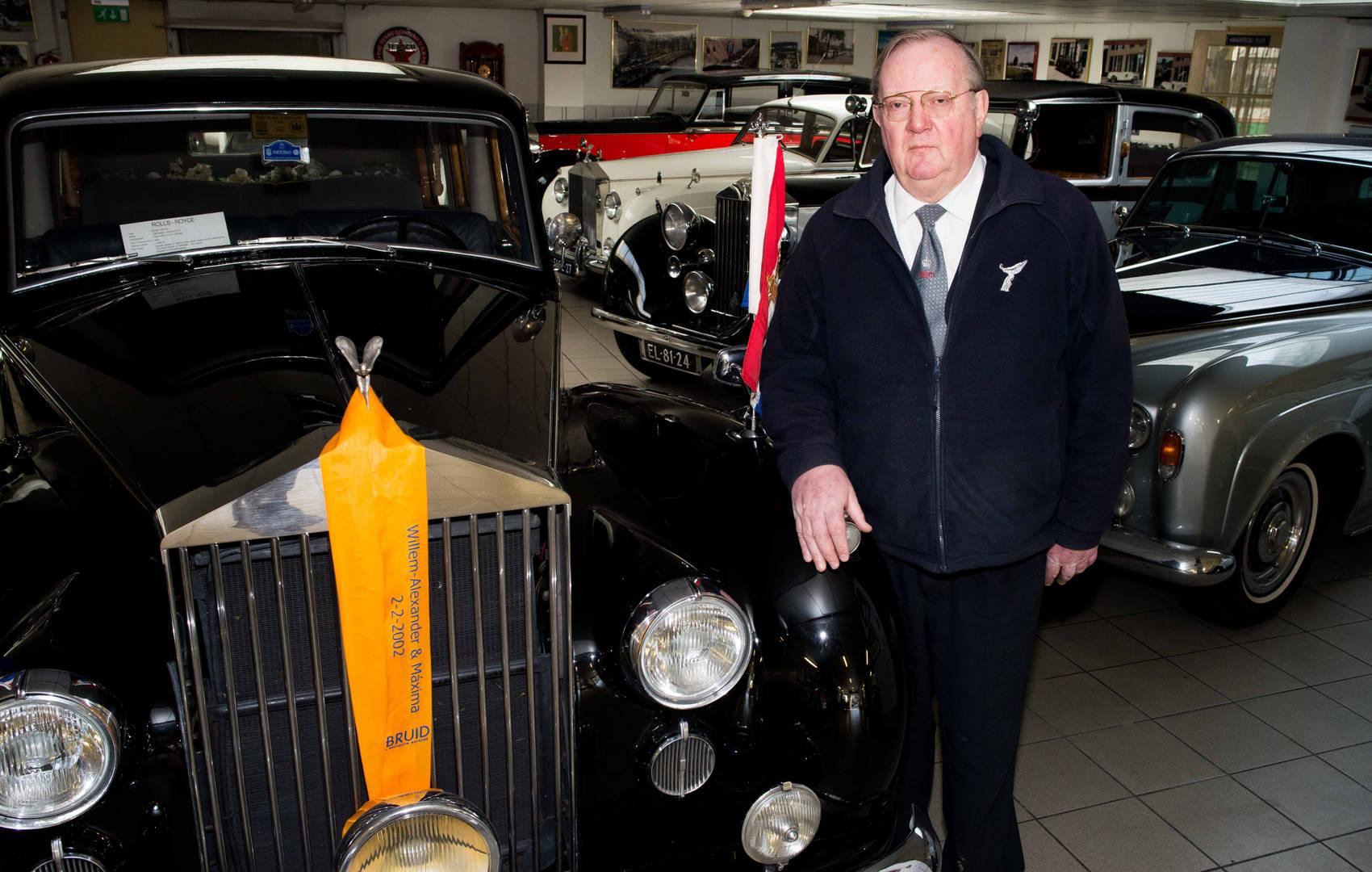 Dolf Meijers (65) is eigenaar van autobedrijf Meijers in Utrecht en heeft de meest exclusieve autocollectie van Nederland die particulieren kunnen huren voor bijzondere gelegenheden.  'Er zijn meerdere autoverhuurbedrijven in Nederland, maar niemand heeft zoveel verschillende exclusieve modellen als wij. We hebben een collectie aan van 19 verschillende Rolls-Royce's, daarnaast verhuren we Lamborghini's, Ferrari's, Porches en Limousines. Ook hebben we twee exclusieve Cadilac's uit de collectie van Elvis Presley die we op een veiling in Amerika hebben gekocht. We hebben een gevarieerde klantenkring; van jonge bruidsparen die op de meest bijzondere dag van hun leven in een exclusieve auto willen rijden, tot rappers die voor het opnemen van hun videoclip een stoere auto nodig hebben. Ook het koninklijk huis behoort tot onze clientèle. Ooit heb ik de speciaal ontworpen Rolls-Royce van wijlen Koningin Juliana overgenomen van het Koninklijk Huis. Toen koning Willem Alexander en koningin Maxima in 2002 gingen trouwen werd ik een aantal maanden voor hun huwelijk door de stalmeester van het koninklijk huis gebeld. Alles verliep in het diepste geheim; tot op de dag van het huwelijk wist zelf mijn vrouw niet dat ik toen nog prins Willem Alexander en prinses Maxima op de dag van huwelijk zou rijden in de oude Rolls-Royce.  Meijers Autobedrijf is een familiebedrijf, we bestaan inmiddels al 90 jaar. Ik ben als eigenaar van het bedrijf meegegaan met de tijd: door sportwagens toe te voegen aan de collectie krijgen we een bredere klantenkring. Ik merk dat de jongere generatie vooral geïnteresseerd is in de snelle sportwagens, daar maak je indruk mee. Wanneer mensen hier binnenkomen om een auto uit te zoeken voor hun huwelijk, zijn het vaak de mannen die hun vrouw overhalen om te trouwen in een snelle bak. Het is toch bijzonder om op de meest speciale dag van je leven in de auto te trouwen waar je als kleine jongen van hebt gedroomd.'