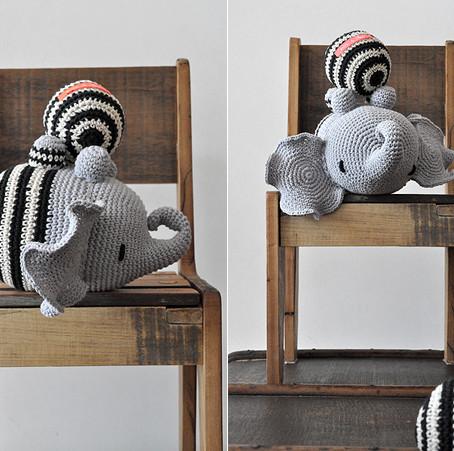 elephant Farnesio in cream and black striped pants