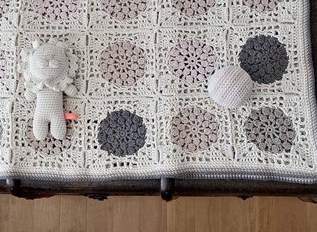 luxury newborn baby blanket and toys set