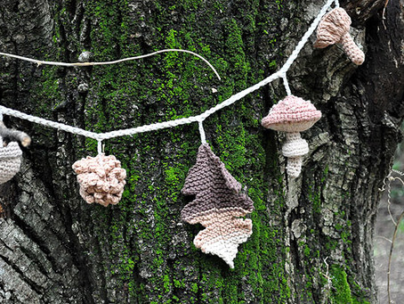 a new piece from the Bosque collection: garlands!