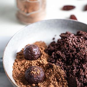 Tahini cocoa balls