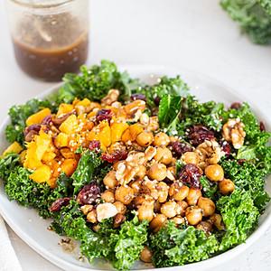 Marinated chickpeas kale salad