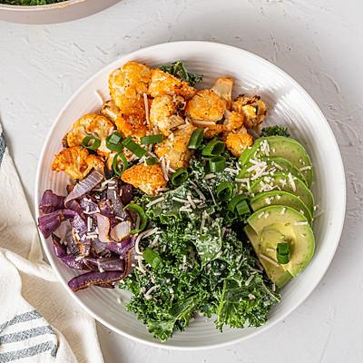 buffalo califlower kale salad
