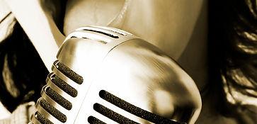 VOCAL COACHING  Un percorso a moduli, organizzati per aree d'interesse, rivolto a singoli cantanti o a scuole di musica che vogliano integrare nel proprio itinerario formativo una metodologia innovativa e professionale.    Ilcorsoprevede sessioni in studio di registrazione con l'impiego di strumenti e tecnologie dedicate, la formazione personalizzata e il materiale necessario per il lavoro a casa, oltre agli strumenti utili per misurare di volta in volta i progressi conseguiti.