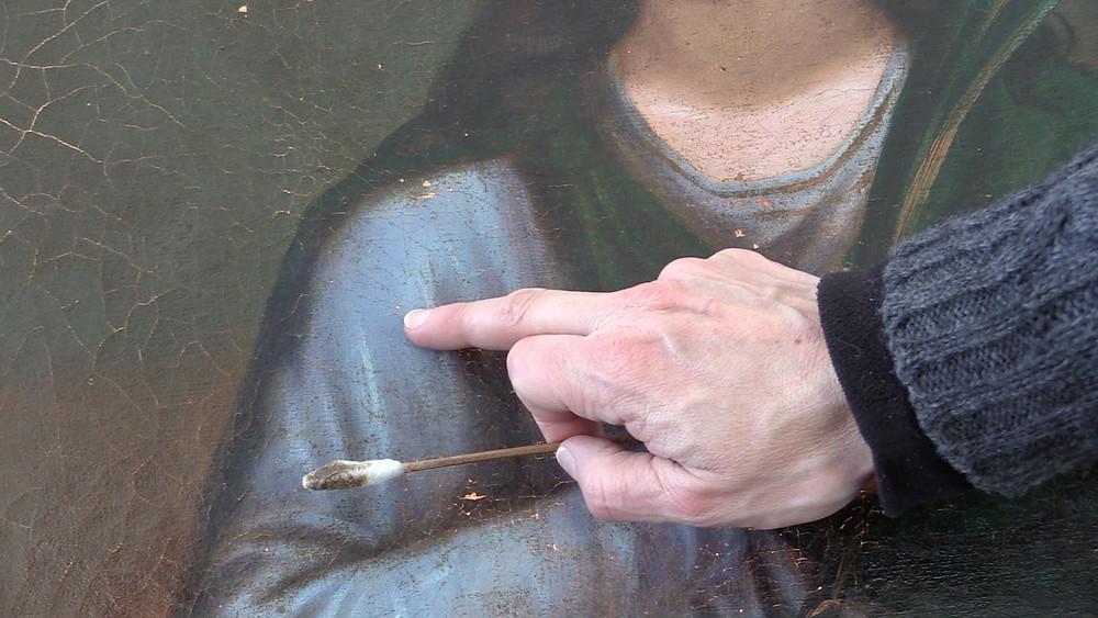 Restauration du tableau de Sainte Agathe detail .jpg