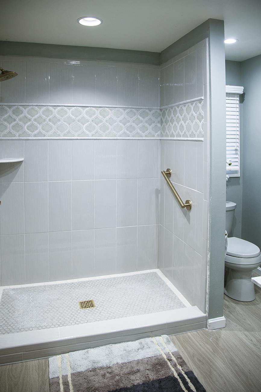 ShowerShotwRugForWeb