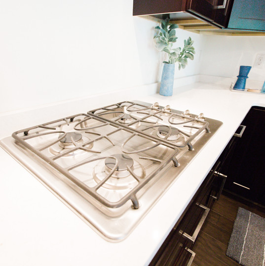 """GE Stainless steel 30"""" cooktop with exhaust hood"""