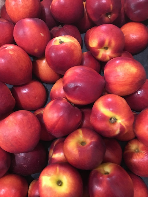 Nectarines in punnets