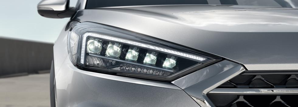 Full LED light signature.