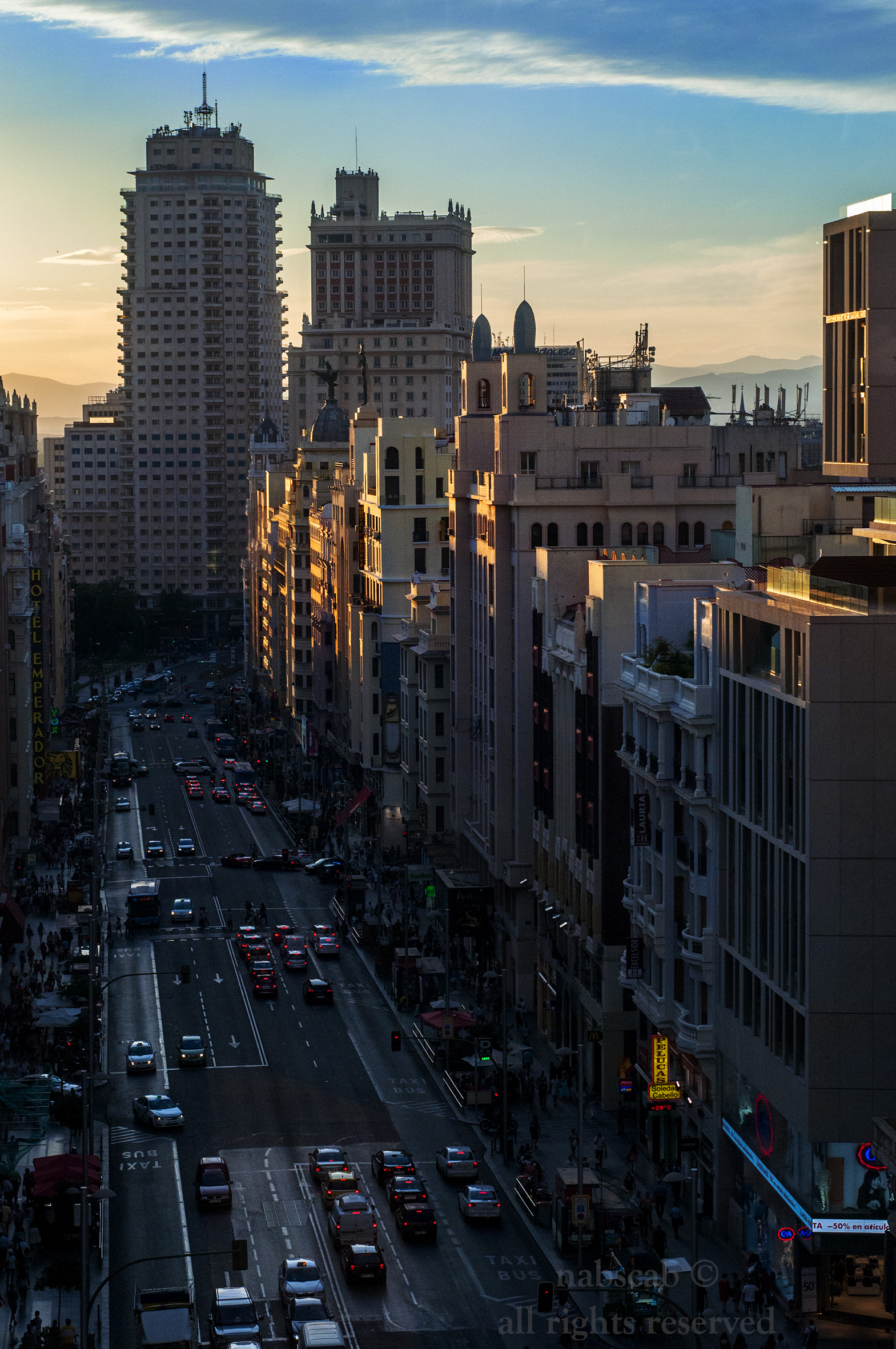Gran Via atardeciendo