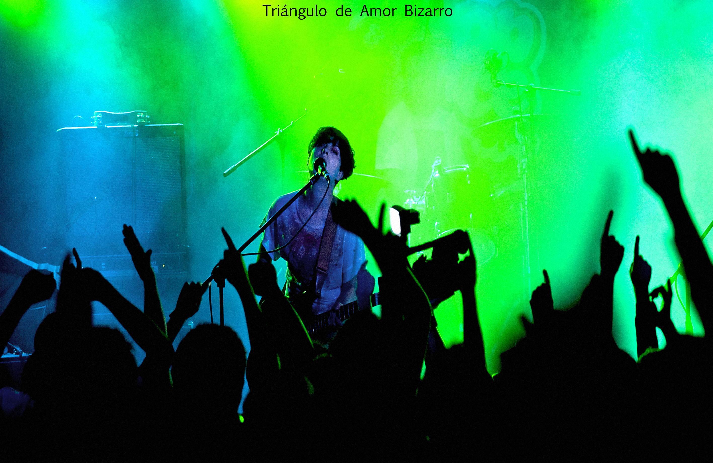 Triangulo de Amor Bizarro 2011