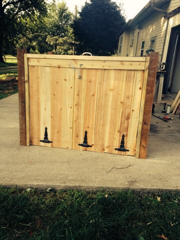 Garbage Concealer Fence