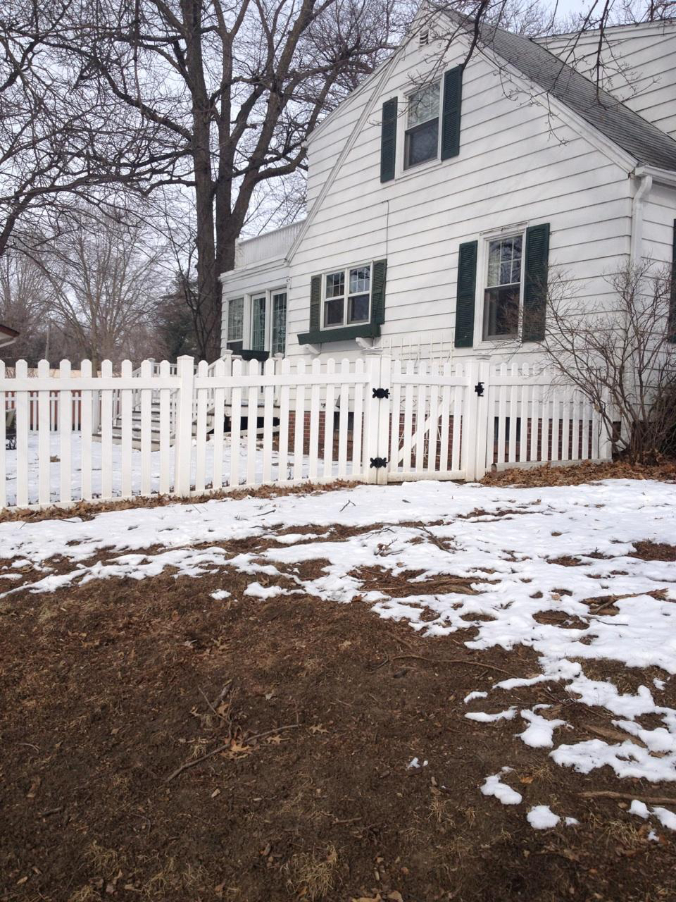 Good Neighbor Fencing PVC Newton