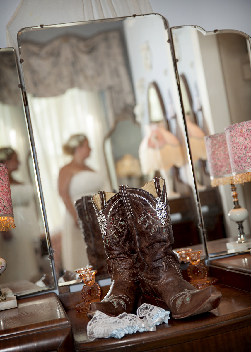 Country Chic Bridal Session - Nikki