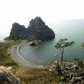 Мыс Бурхан скала Шаманка остров Ольхон