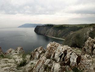 Фото достопримечательностей острова Ольхон на Байкале.  Мыс Шунтэ-левый (скала Любви).