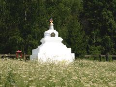 Хойморский дацан в пос. Аршан. Чтобы увидеть это место, просто позвоните: 8-3952-67-66-90 и закажите экскурсию.