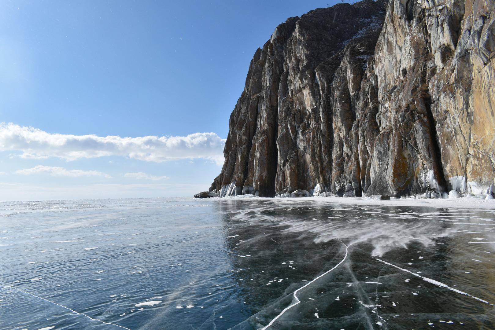 Утес Саган-Заба озеро Байкал