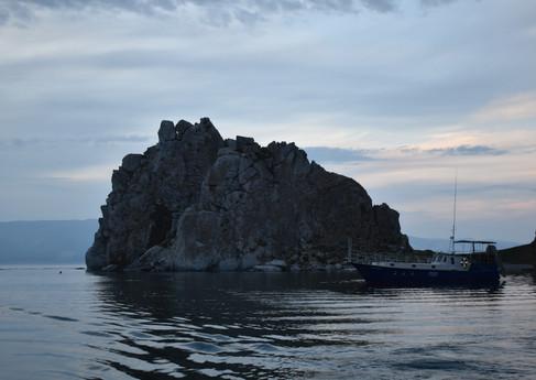 Мыс Бурхан Скала Шаманка острова Ольхон