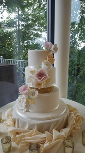 Corsage wedding cake