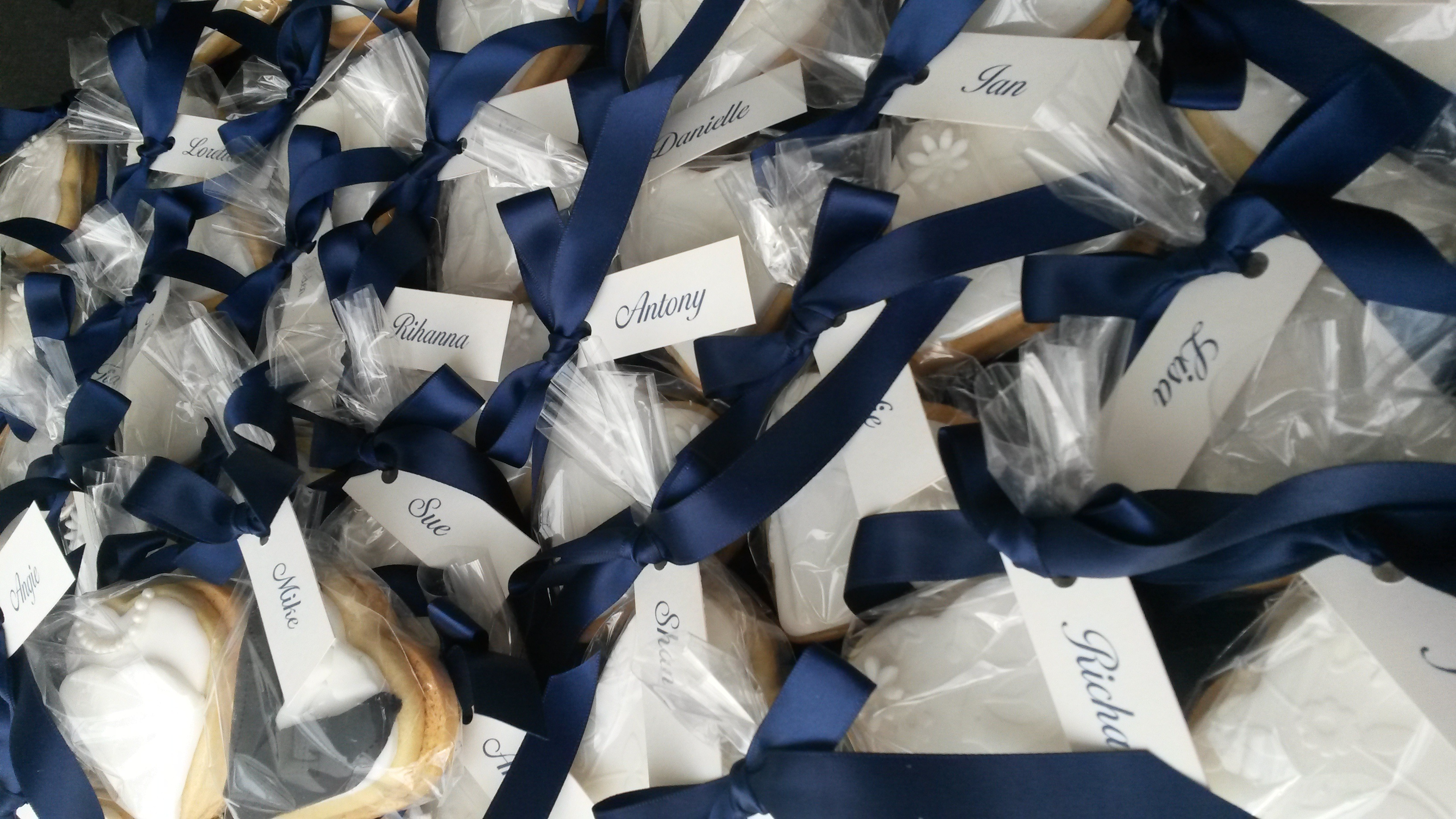 iceded cookie favours