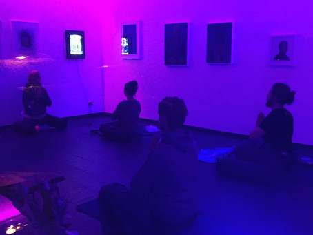 Immer Montags:  YOGA & ART in der FB69 Galerie Köln