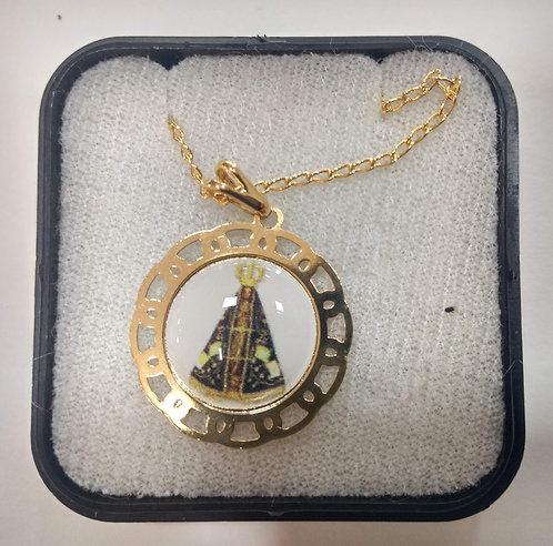 Gargantilha dourada com Medalha de N. Sra. Aparecida