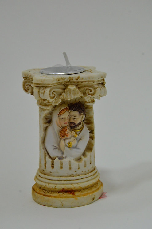 Castiçal de resina com imagem da Sagrada Família