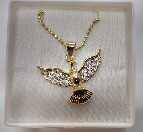 Gargantilha dourada com pingente Divino Espírito Santo