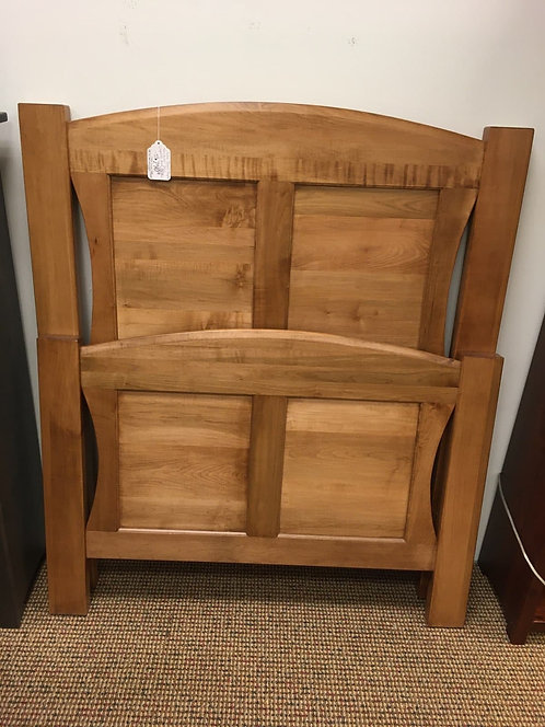 "Brown Maple ""Manchester"" Twin Size Bed (Seely)"