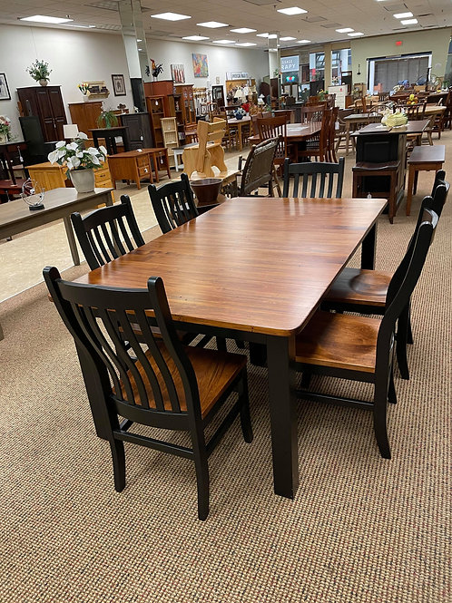 Wormy Maple Extension Table and Chair Set with 2 Leaves (Black and Michael's)