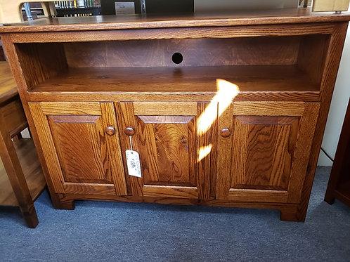 Oak 3 Door Raised Panel TV Stand (Michael's Cherry)