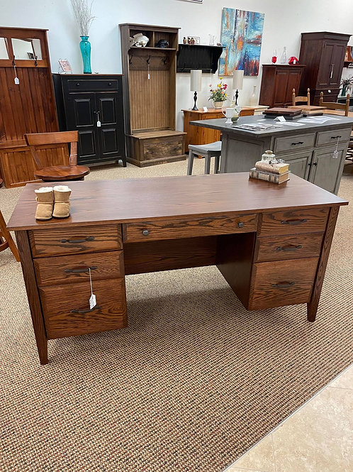 "Oak ""Hampton"" Desk with Flip Down Keyboard Drawer (Asbury)"