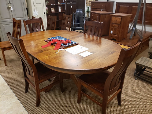 """Wormy Maple Single Pedestal 48"""" Round Extension Table and Chair Set (Michael's)"""