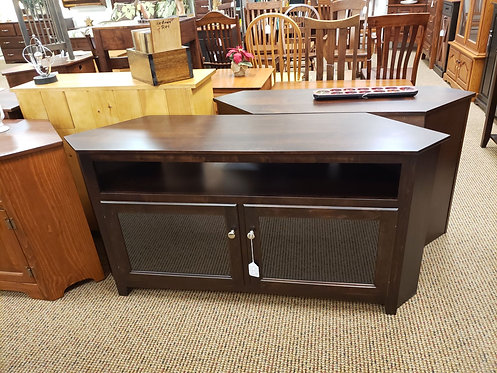 """Brown Maple """"Linwood"""" 60"""" Corner TV Stand (Rich Tobacco)"""