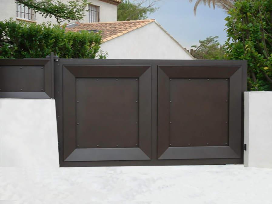 portail et réhausse clôture avec cadre métalique