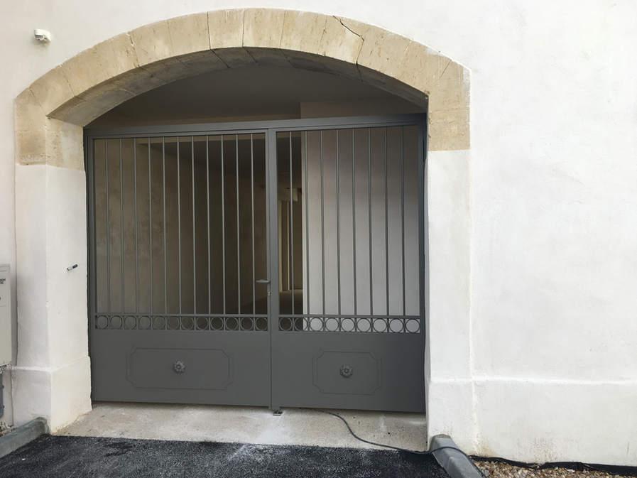 portail entrée maison vigneronne