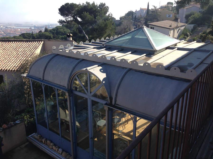 toiture zinc et puit de jour vitré